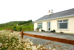 104 Clifden Holiday Cottage