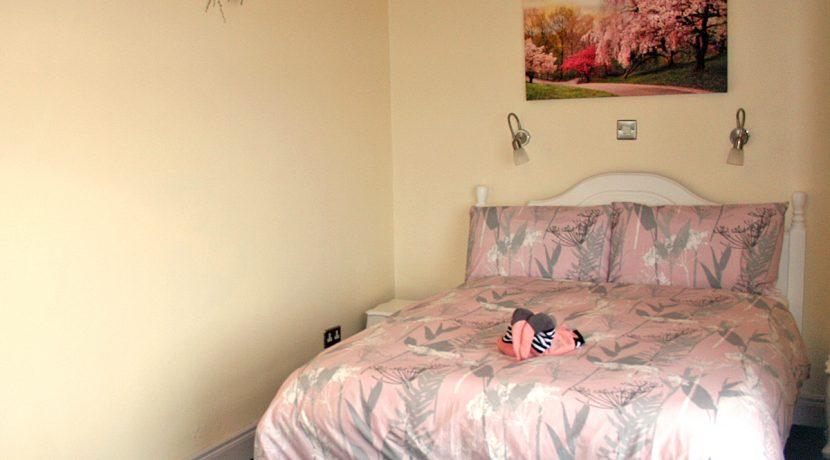 104_pink_bedroom