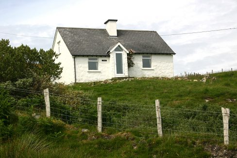 106 Letterfrack Holiday Cottage Connemara