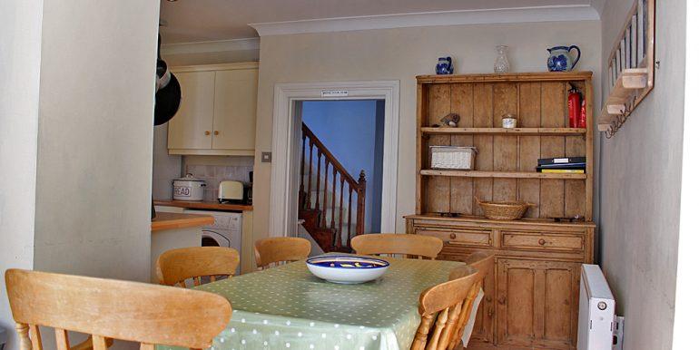 185_kitchen2