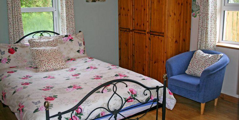 187_bedroom1