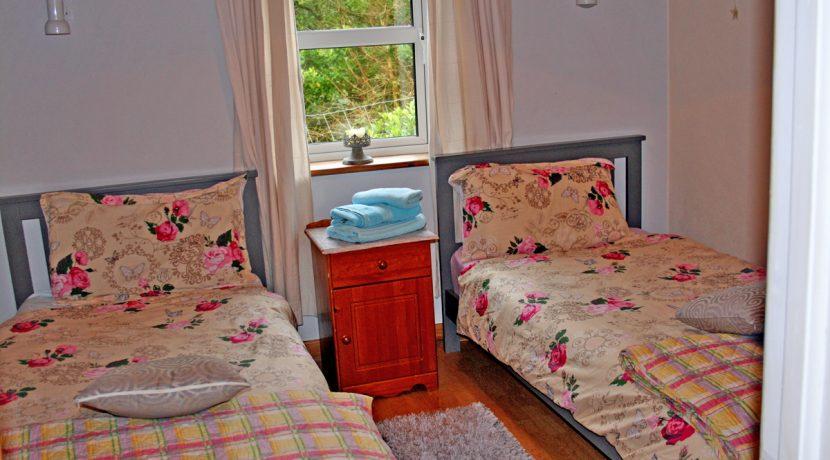 187_bedroom2