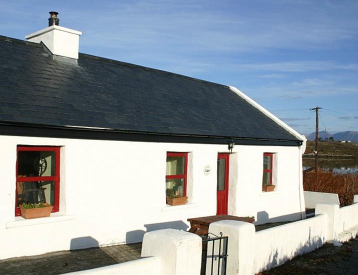 Roundstone 134 Seans Cottage Inishnee Connemara Coastal