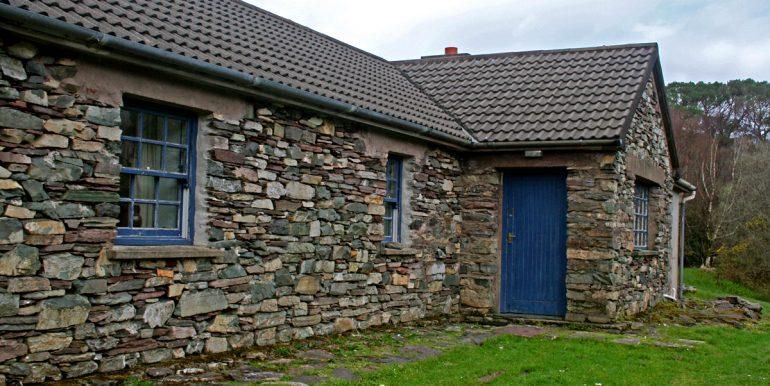 218_stephens_cottage_outside