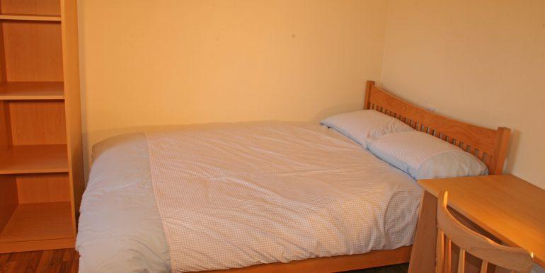 246_bedroom2