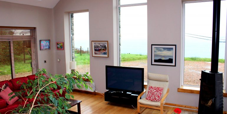 296_front_room
