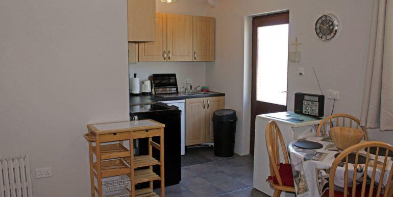 305_kitchen2