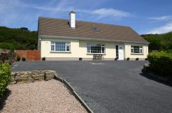 307 Clifden Holiday Cottage