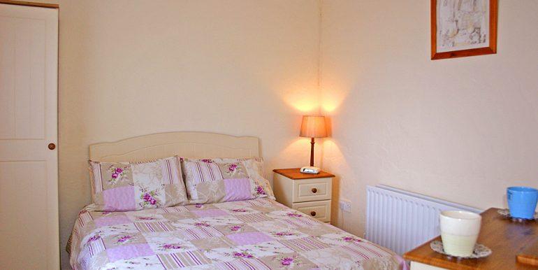 308_bedroom1