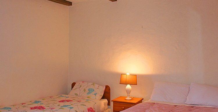 316_bedroom1-750x667