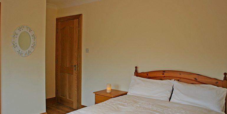 320_bedroom3