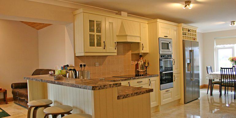 320_kitchen1