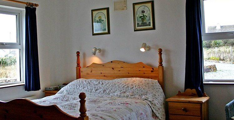 321_bedroom2-750x633