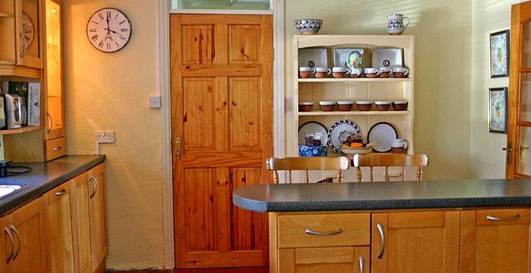 322_kitchen-750x667