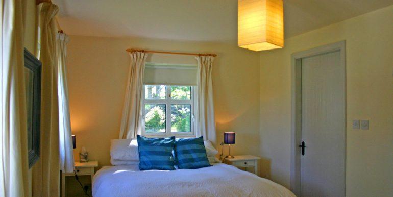 324_bedroom1
