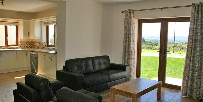 326_sittingroom