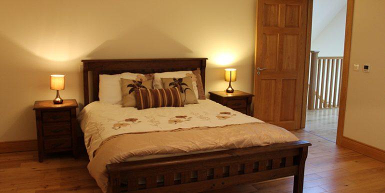 334_bedroom1