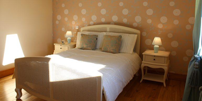 334_bedroom3