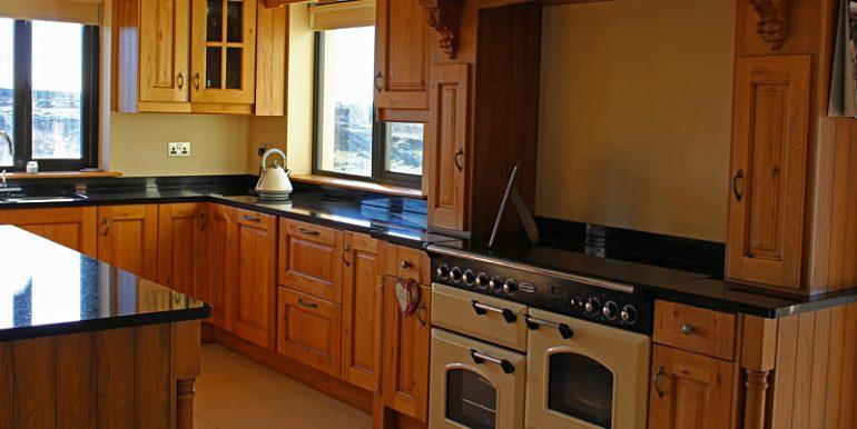 334_kitchen1