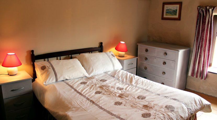 338_bedroom3