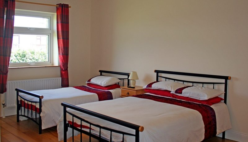 346_bedroom2