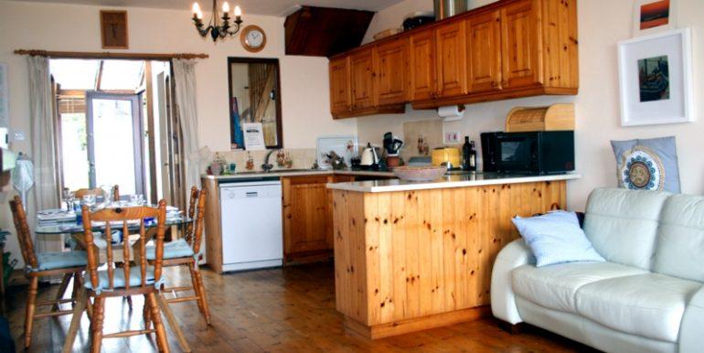 347_kitchen1