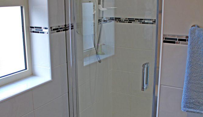 348_renvyle_cottages_shower