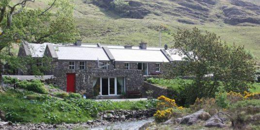 Leenane 328 Waterfall Cottage