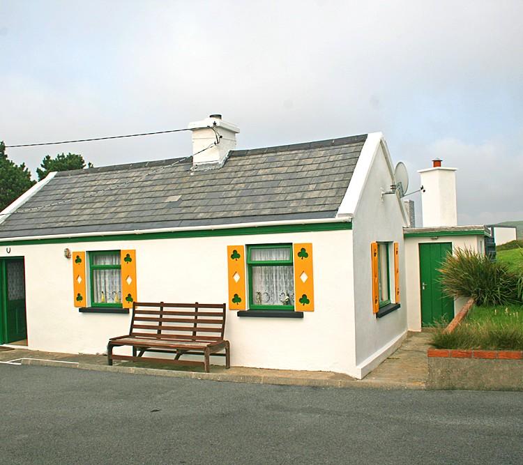 Claddaghduff 144 Shamrock Cottage