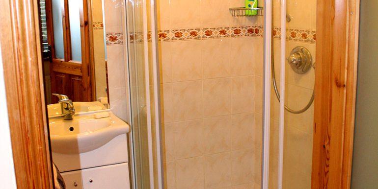 351_clifden_bathroom1
