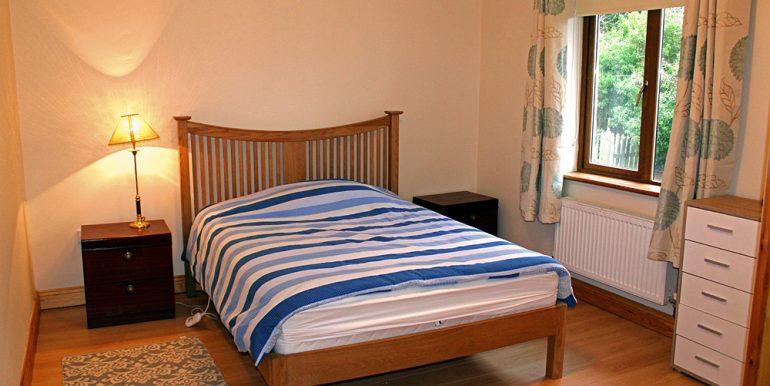 351_clifden_bedroom1