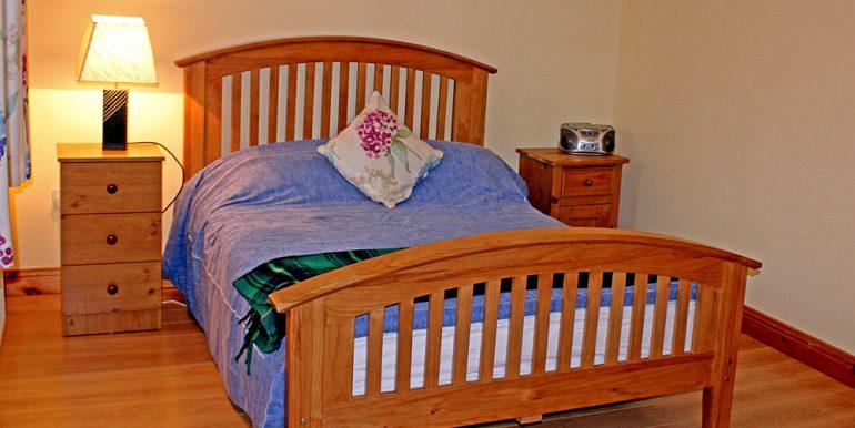 351_clifden_bedroom2
