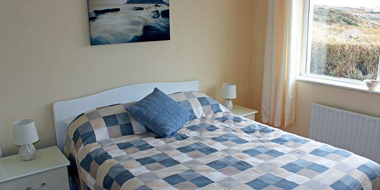 352_cleggan_bedroom2