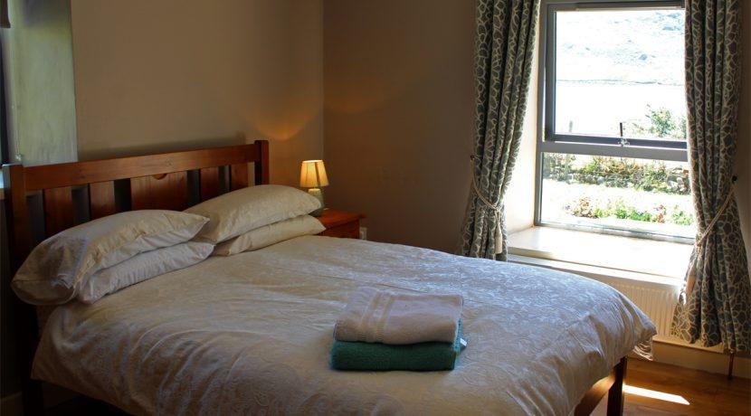3535_renvyle_bedroom1