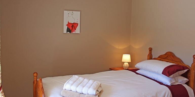 353_renvyle_bedroom2