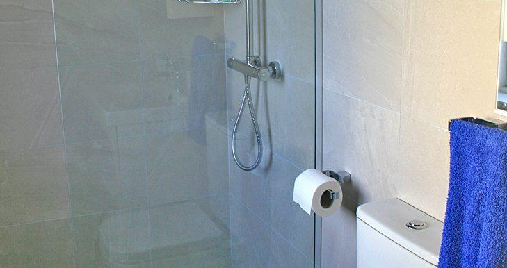 057_bathroom1