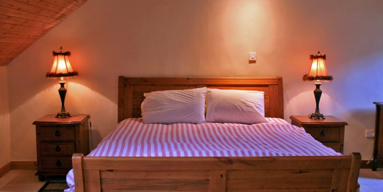 inside_355_leenane_bedroom