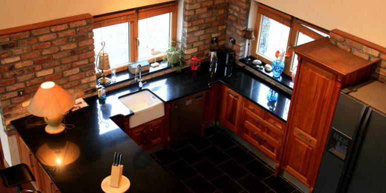 inside_355_leenane_kitchen2
