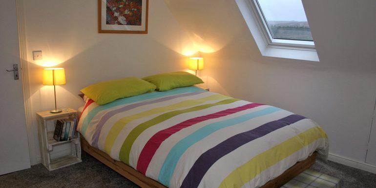 357_bedroom1_doublebed