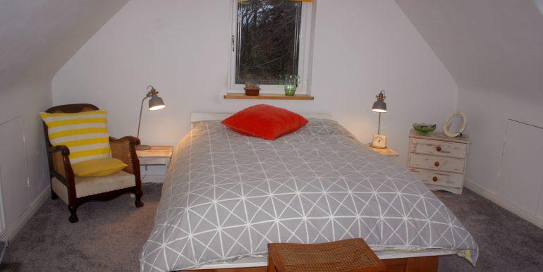 357_bedroom_2_2