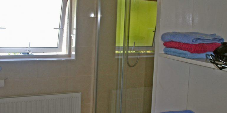 365_bathroom2