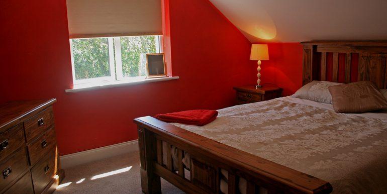 365_bedroom3