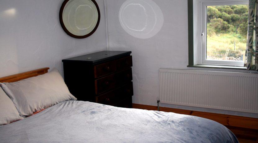369_bedroom2_2