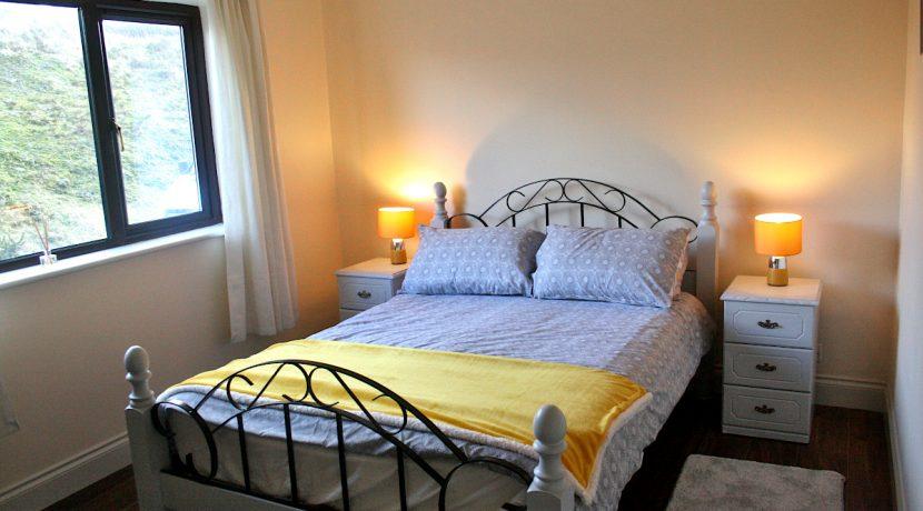 370_bedroom2