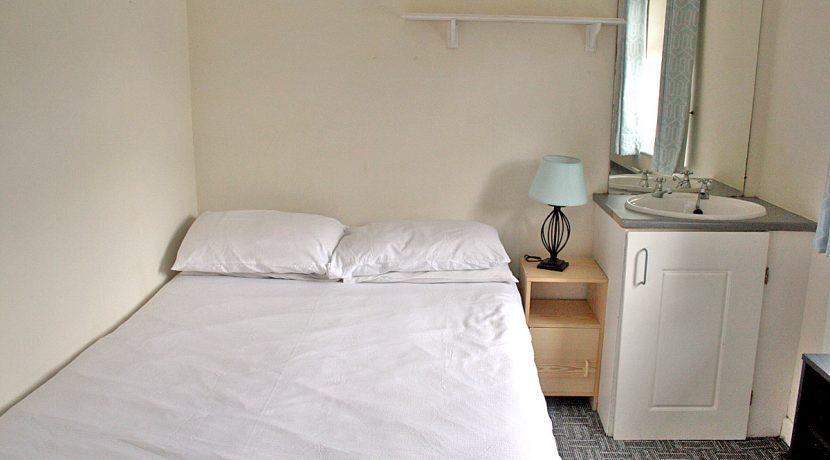 373_bedroom1