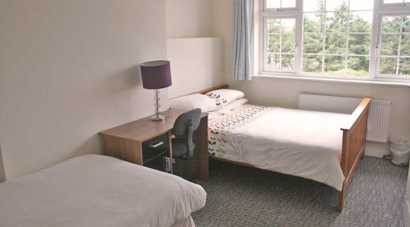 373_bedroom6