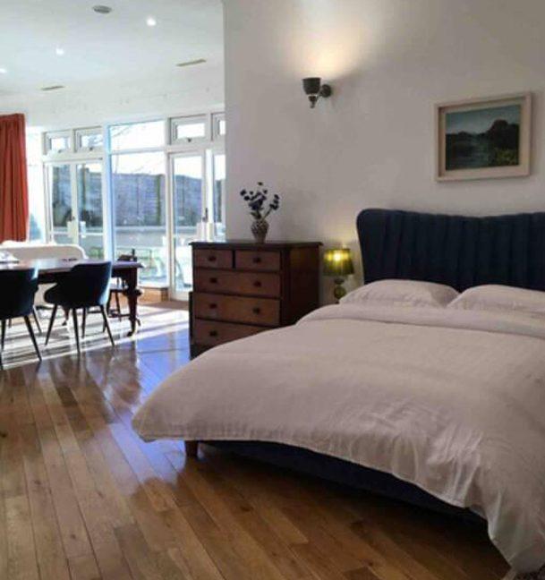 383_bedroom